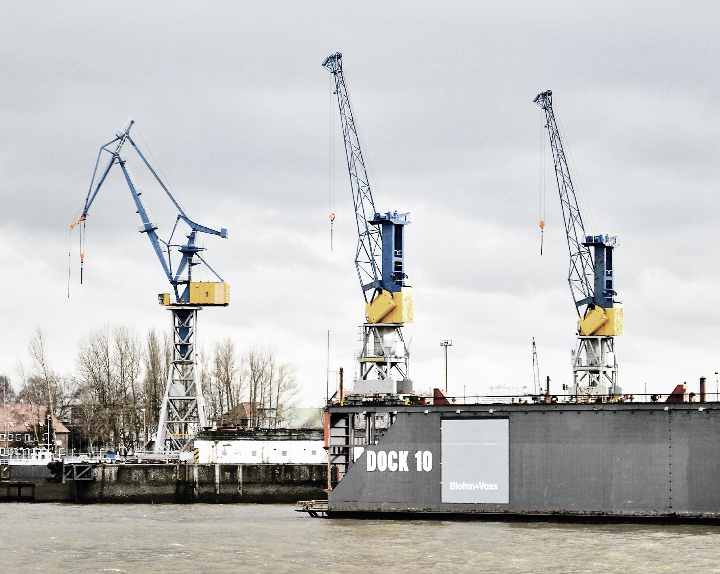 Hamburg Cranes,photo by author