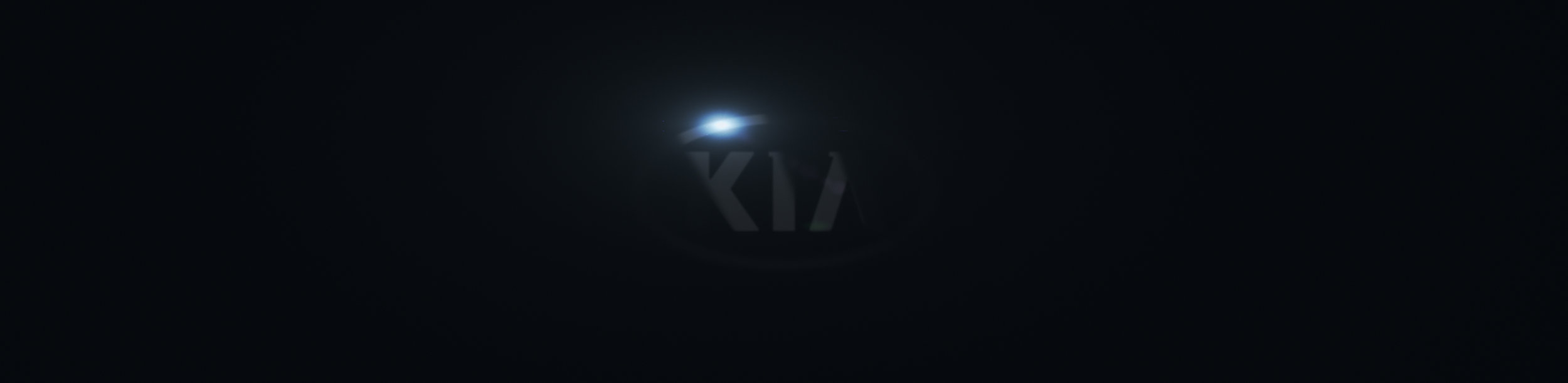 02.KIA_K900_Panels_LOGO-Transition_01.jpg