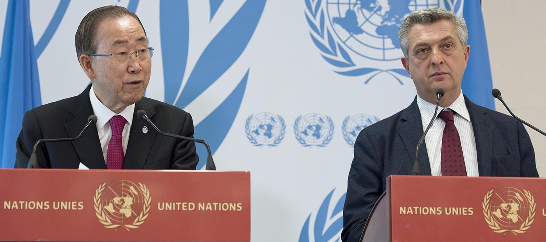 Ban Ki-moon, secretaire général de l'ONU. À droite: Filippo Grandi, Haut-Commissaire aux réfugiés. © Jean-Marc Ferré / ONU Photo / 30 mars 2016