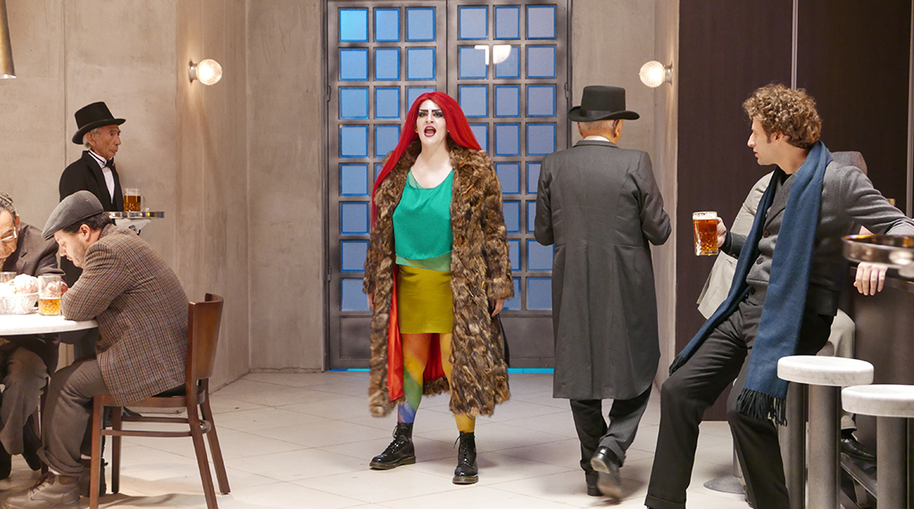 Image d'une scène du film  © Poesía sin fin