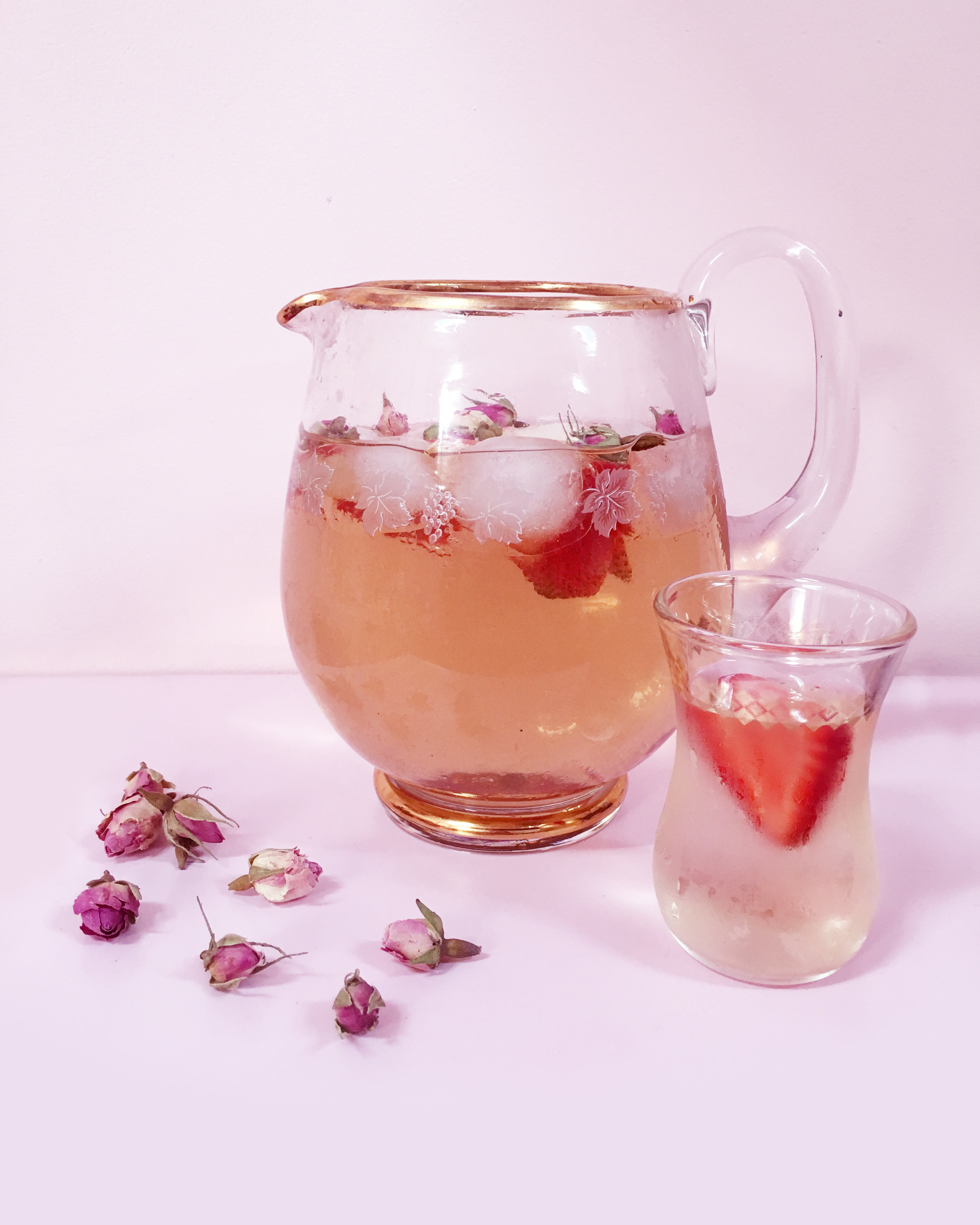 Summer-sipping-tea.jpg