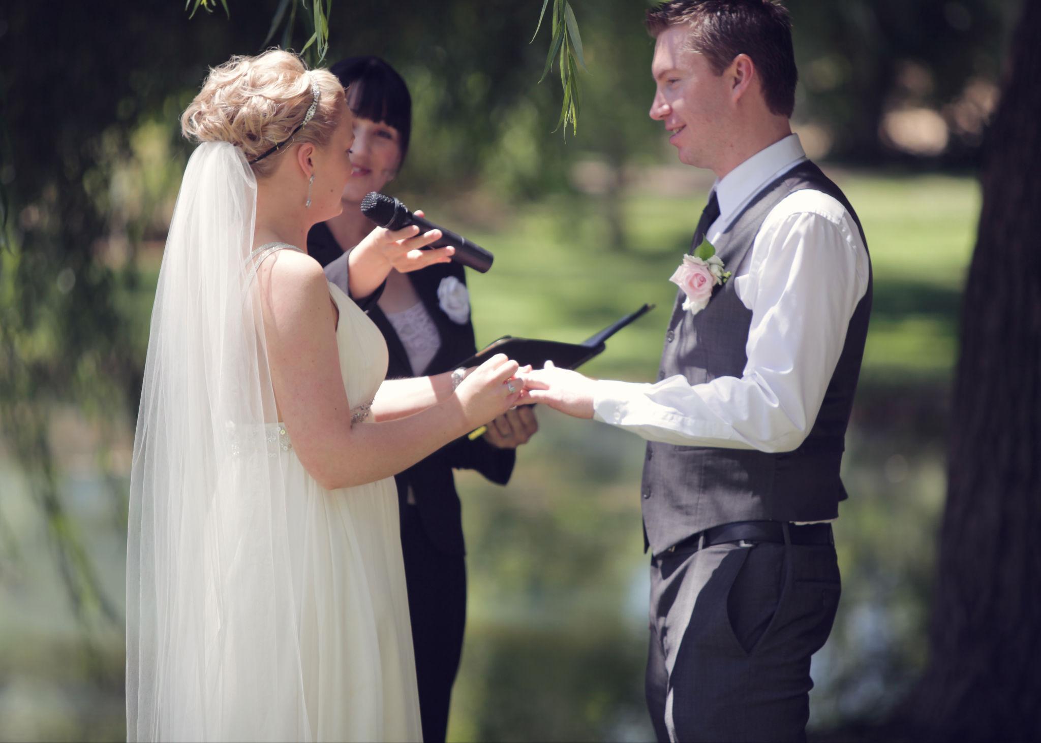 Melissa saying her ring vows to Damon