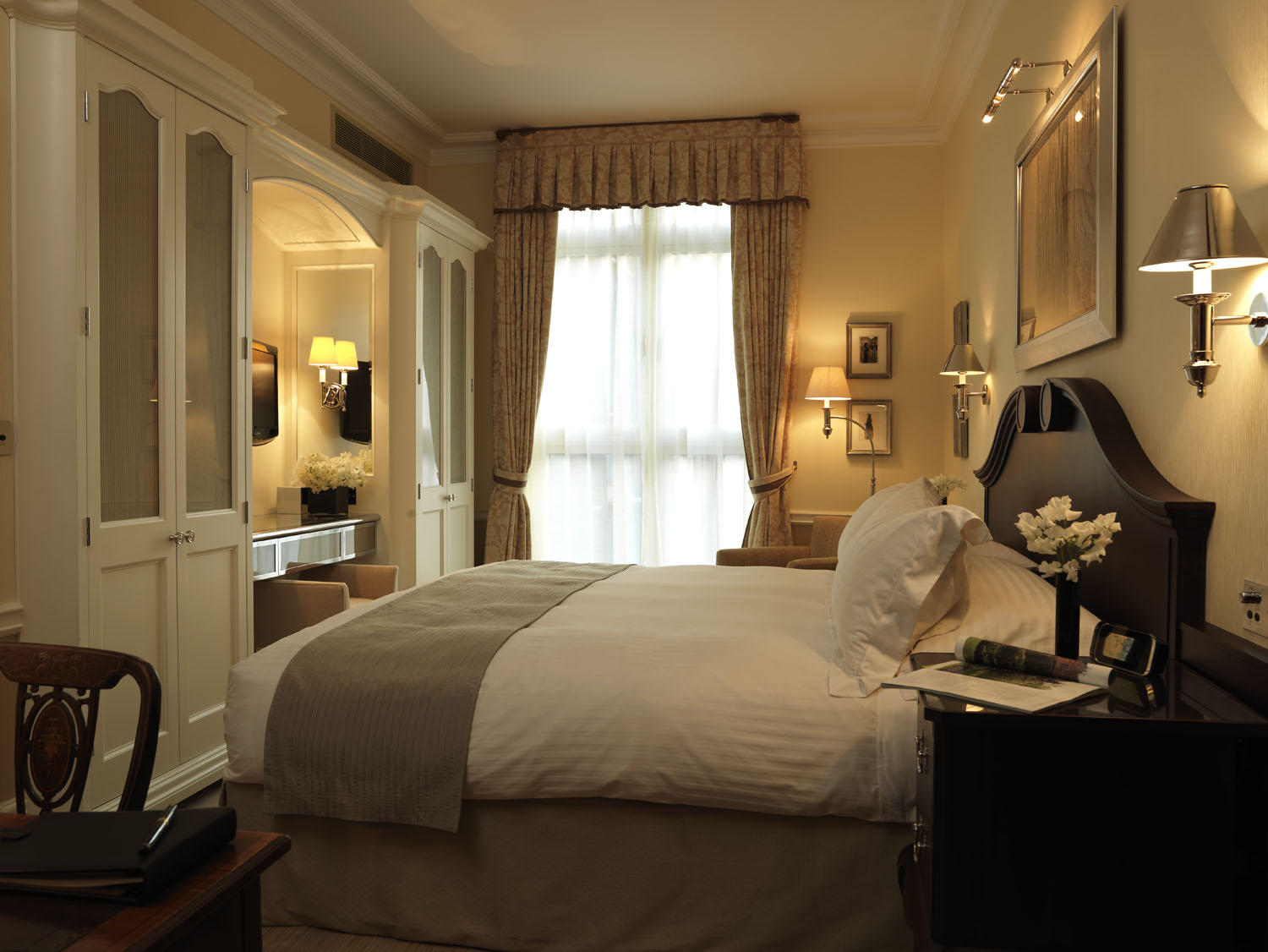 Connaught Superior King bedded room 311.jpg