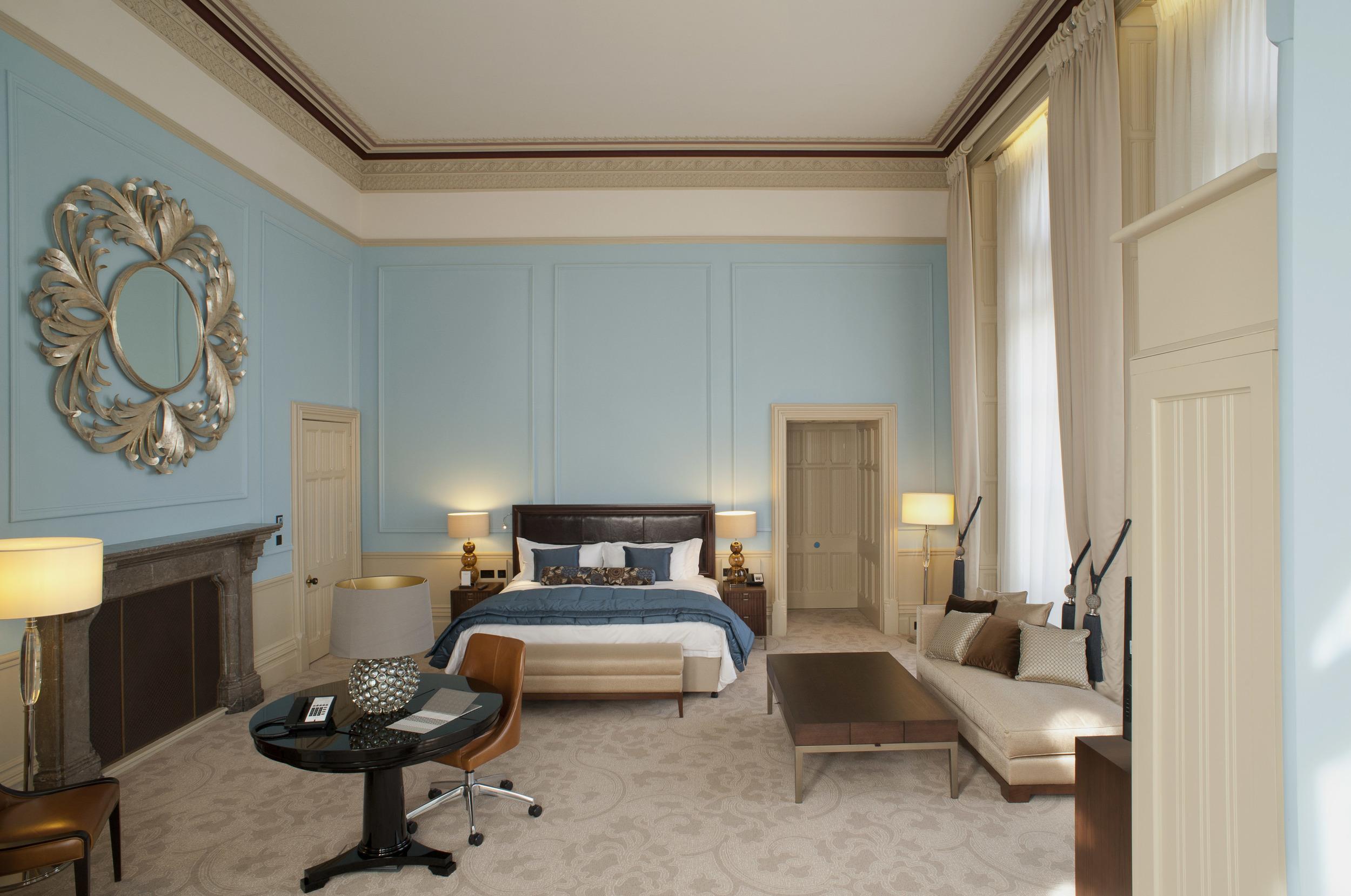 St Pancras Renaissance - Chambers Grand Junior Suite.jpg