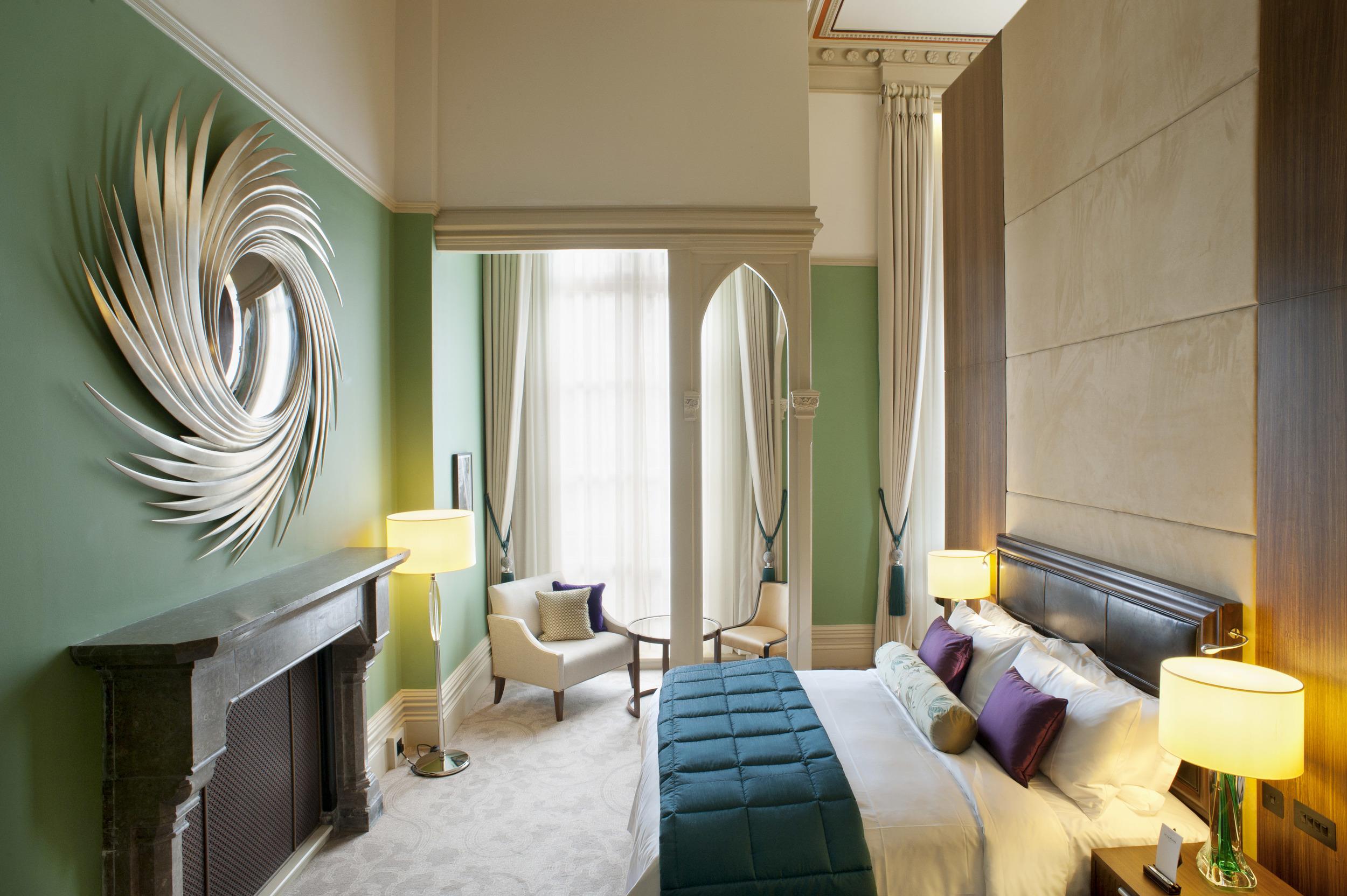 St Pancras Renaissance - Chambers Junior Suite.jpg