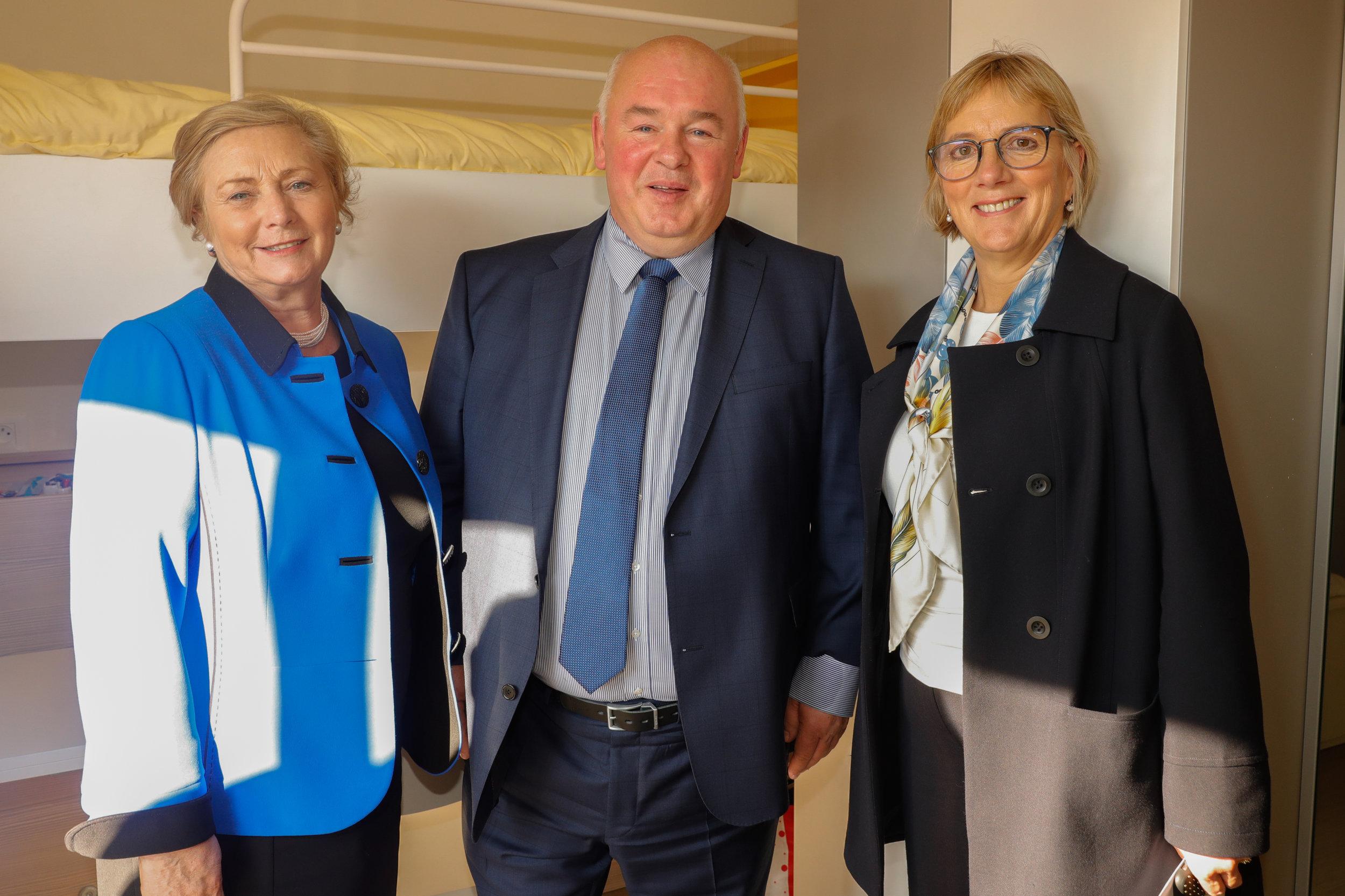 From left to right: An Tánaiste - Frances Fitzgerald , Paul Byrne - Managing Director Castlebrook, Julie Sinnamon - CEO Enterprise Ireland