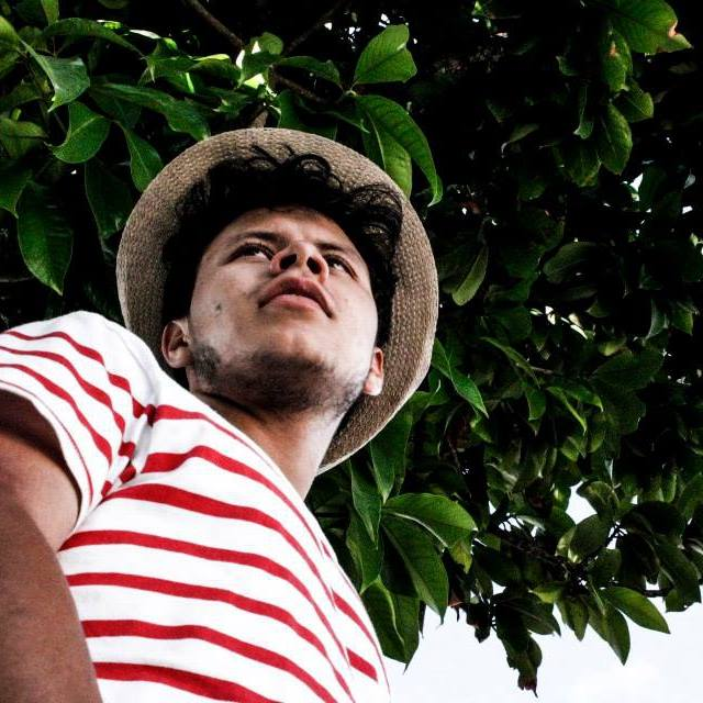 Alexander Zambrano - Director de contenidos  Lee hasta en el bus, es un escritor en formación y ayuda con los textos, la web y el criterio editorial de Ciudad de Datos. Adora la ciudad, por eso terminó aca.  azasal.tumblr.com
