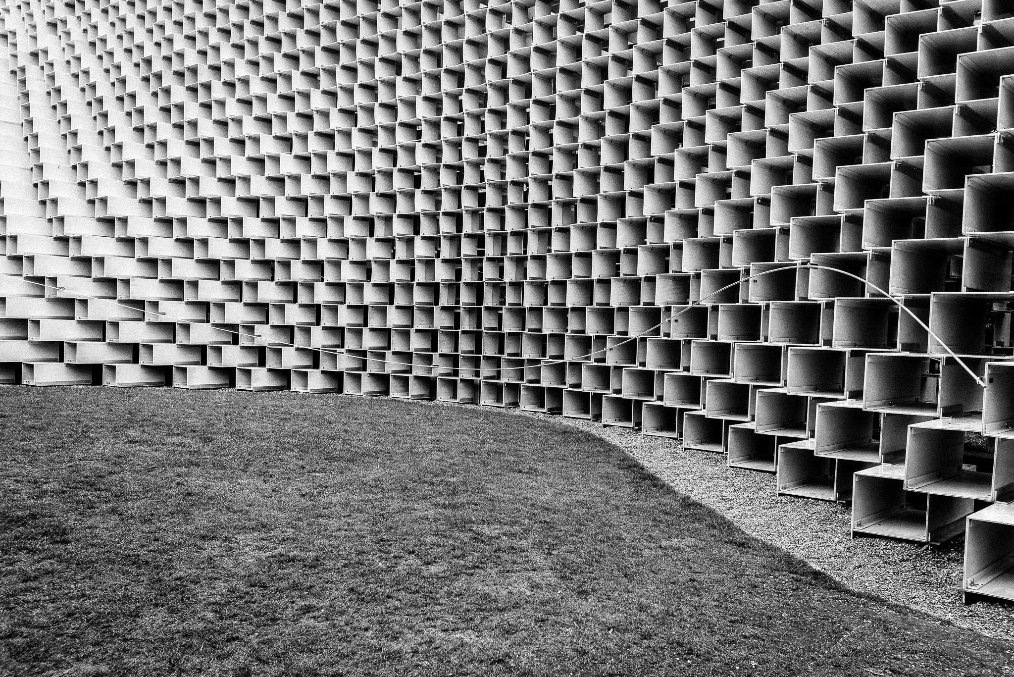 Serpentine pavilion I