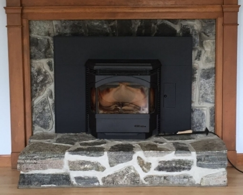 BEFORE - Fireplace in Living Room with Pellet Insert