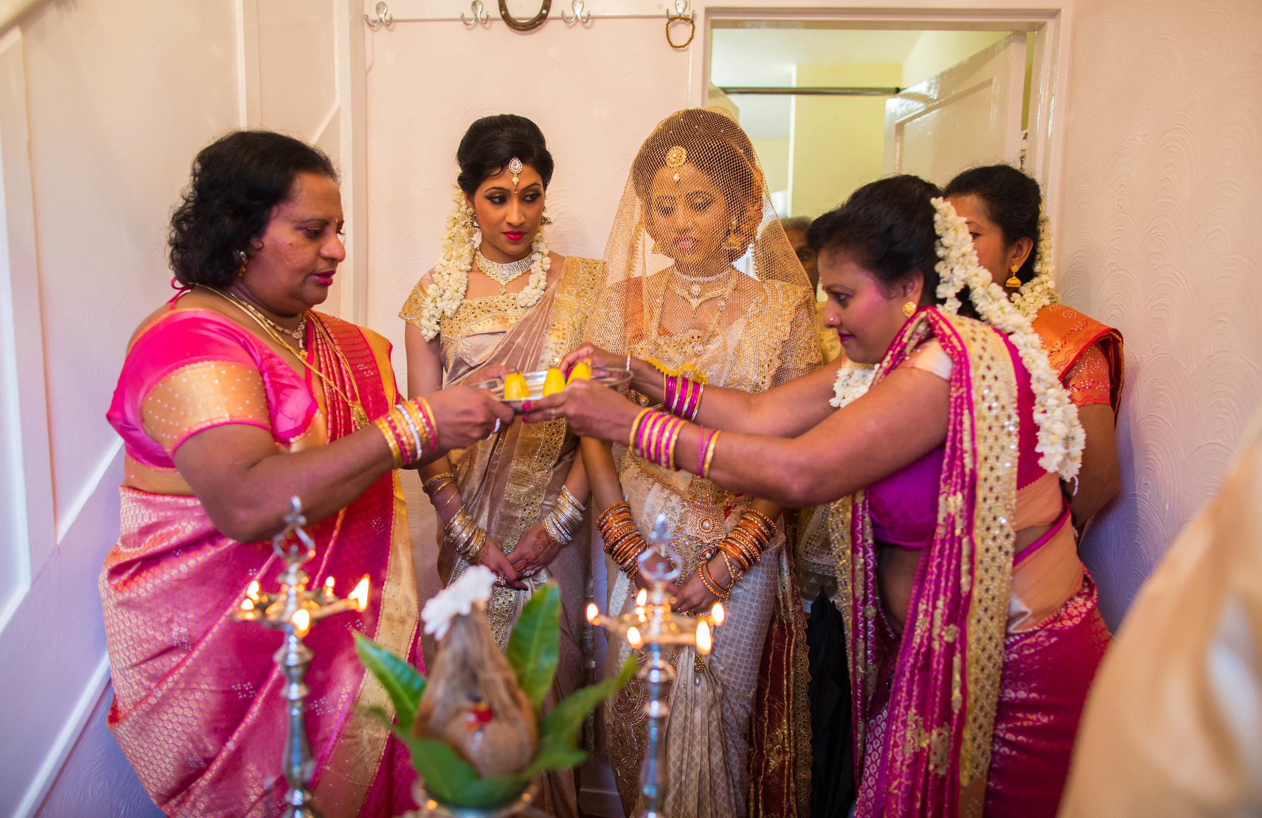 Yasiga & Dinesh Hindu Wedding-6993.jpg