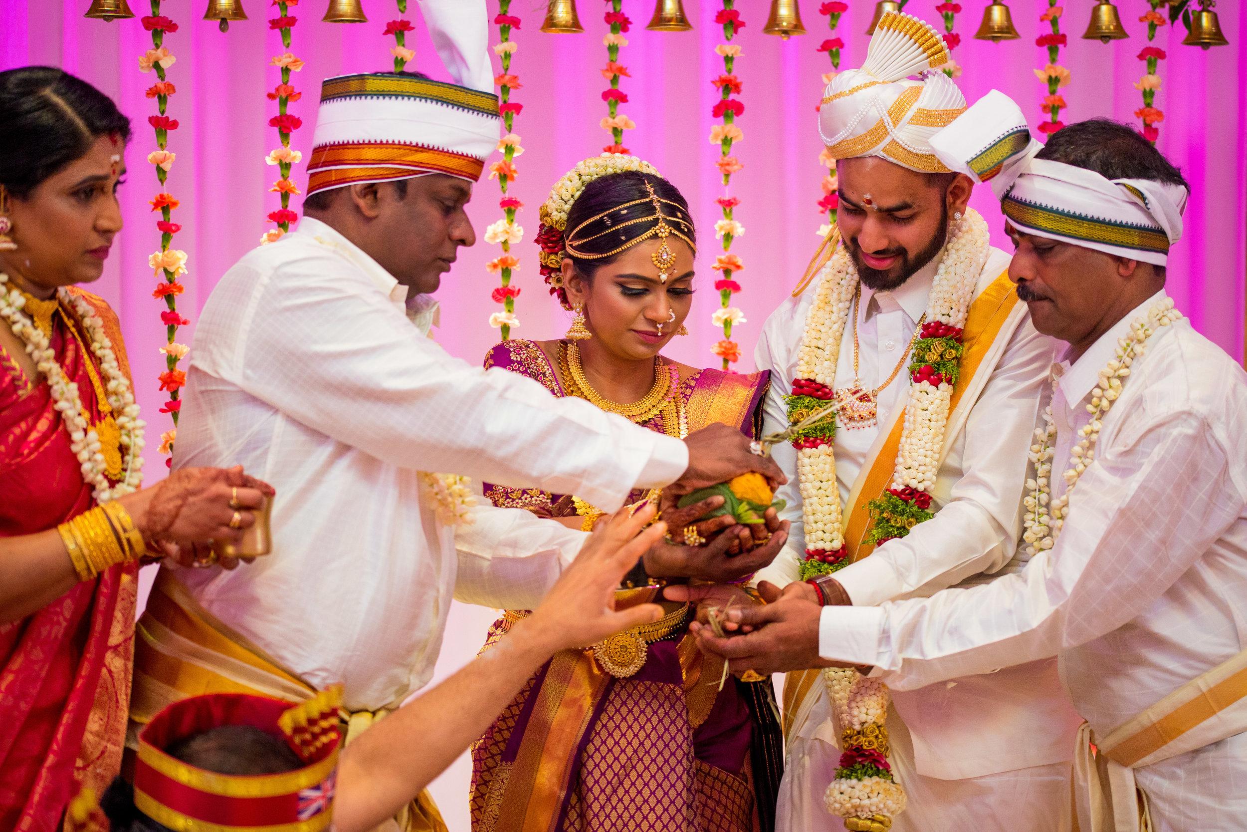 Haynisna & Divan Hindu Wedding-615.jpg