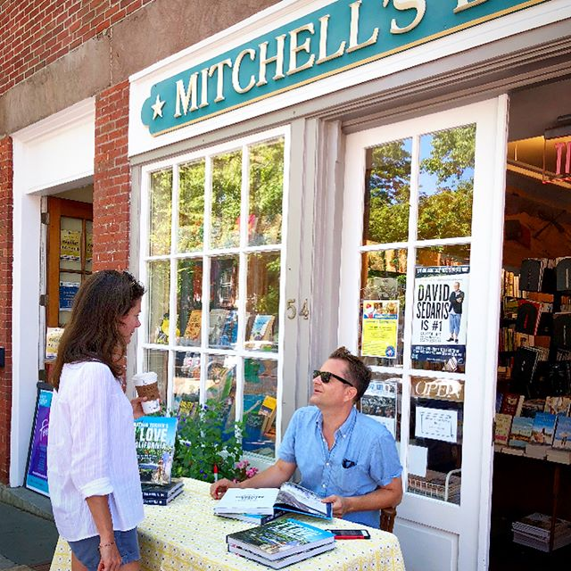 Thank you @nantucketbooks and Mitchell's Bookstore for the fun sidewalk signing! We sold out! ( and thank you @peterfasano for my chic table cover!)