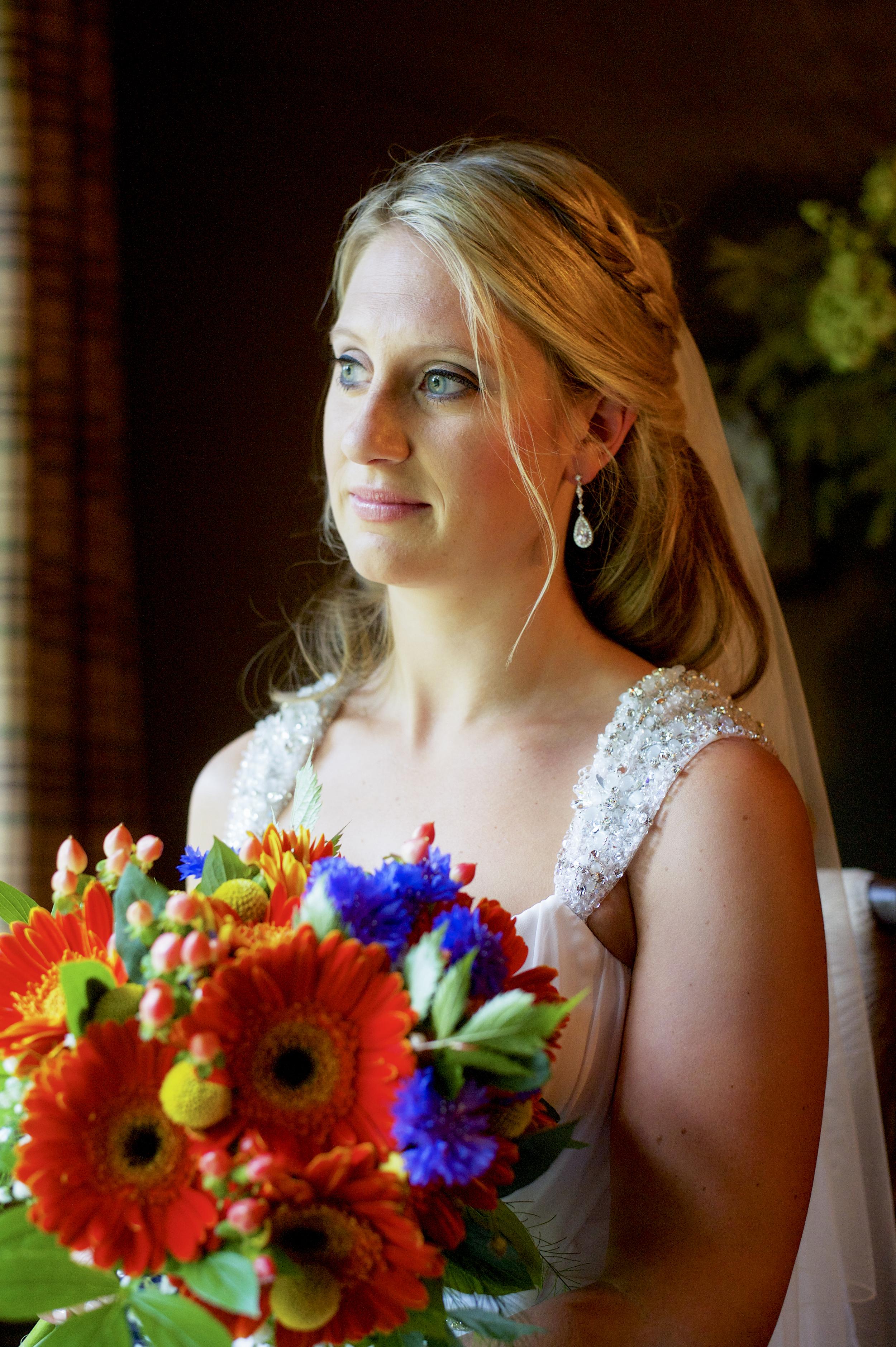 summer_wedding_bouquet_orange_daisies
