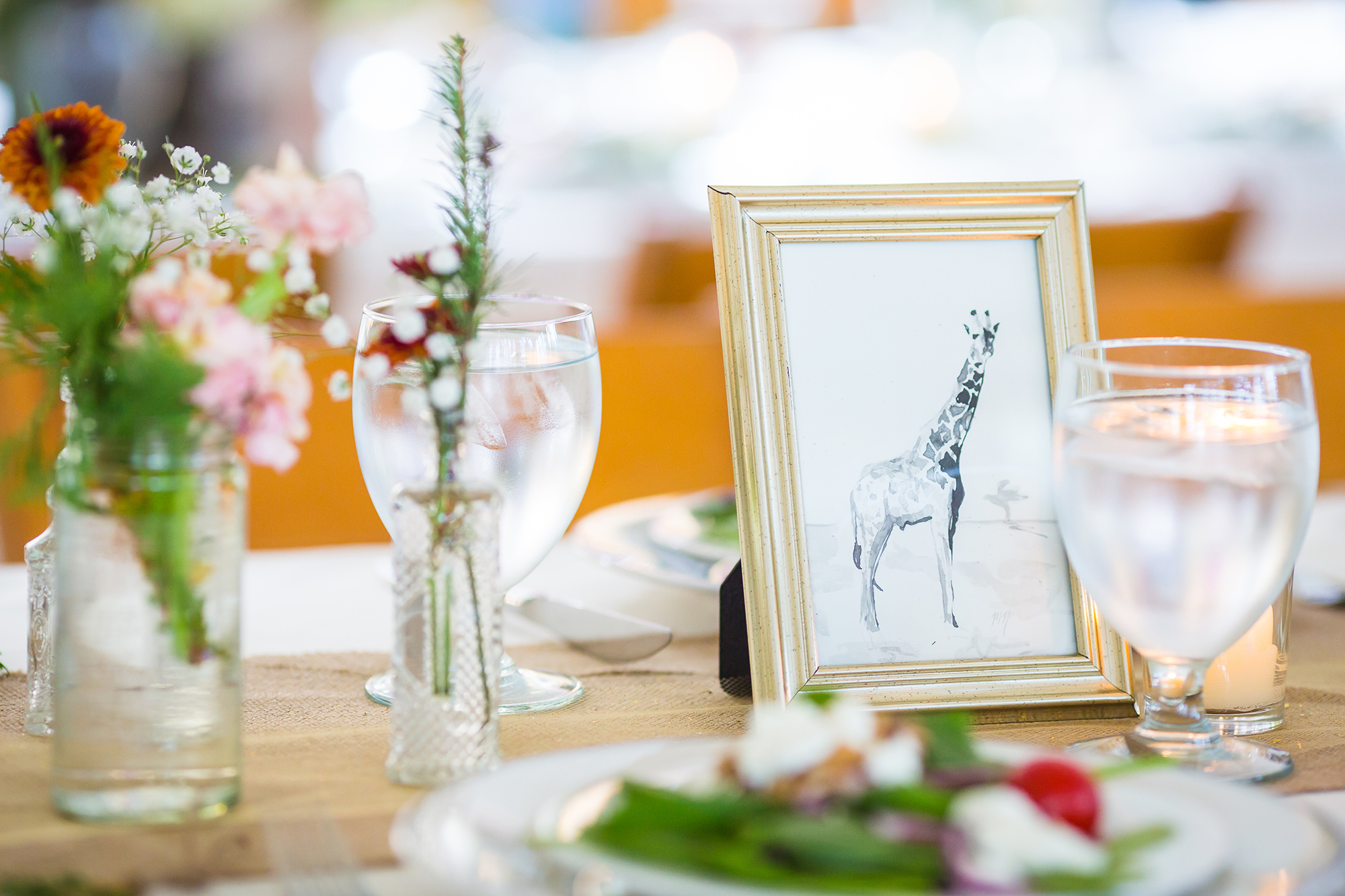 hand_painted_animals_wedding_table