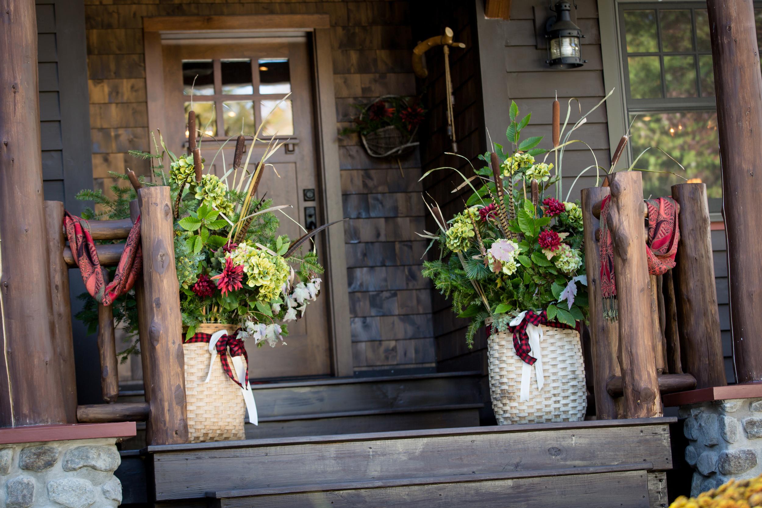 adirondack_pack_basket_wedding_altar