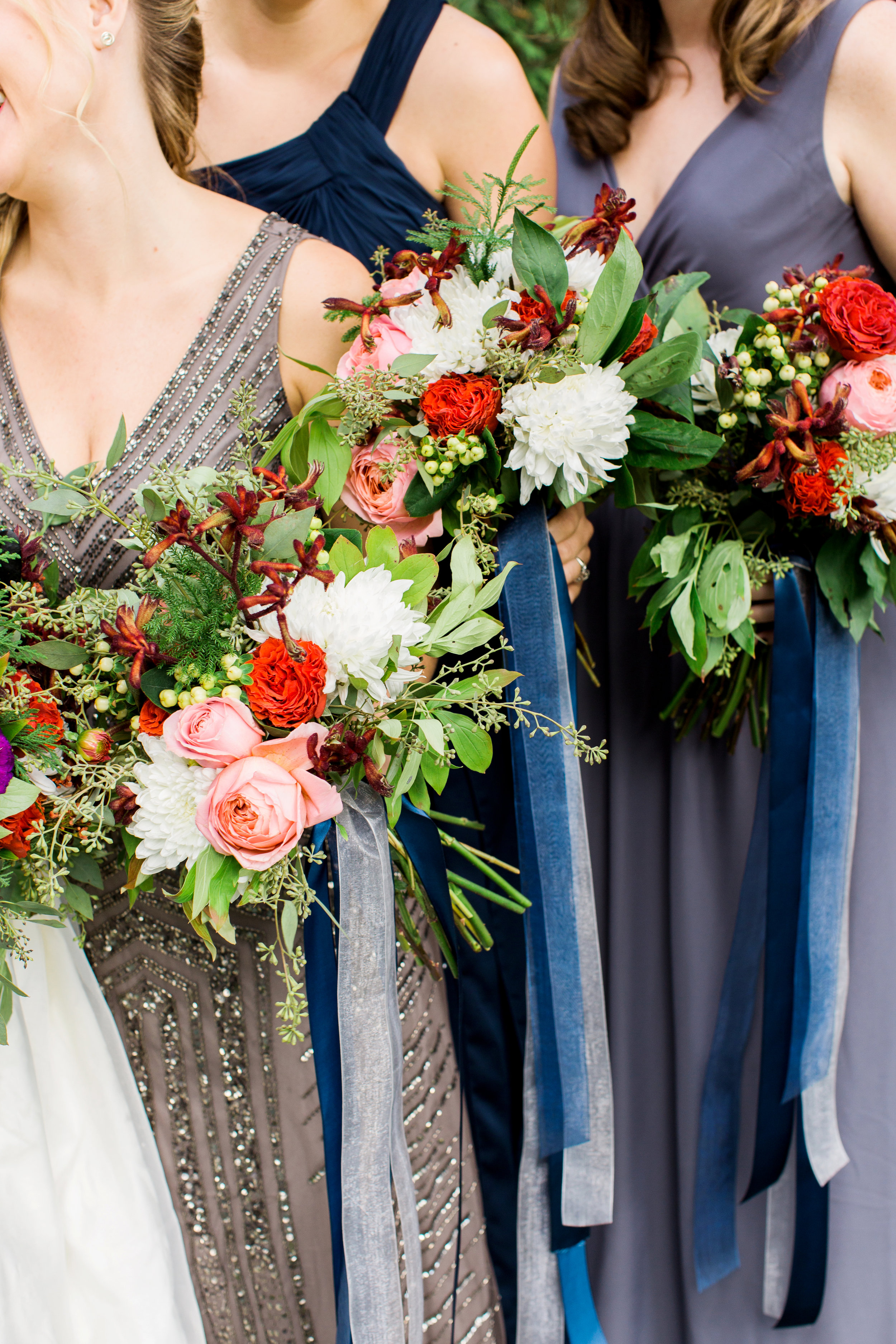 new_york_fall_bridesmaids_wedding_bouquets