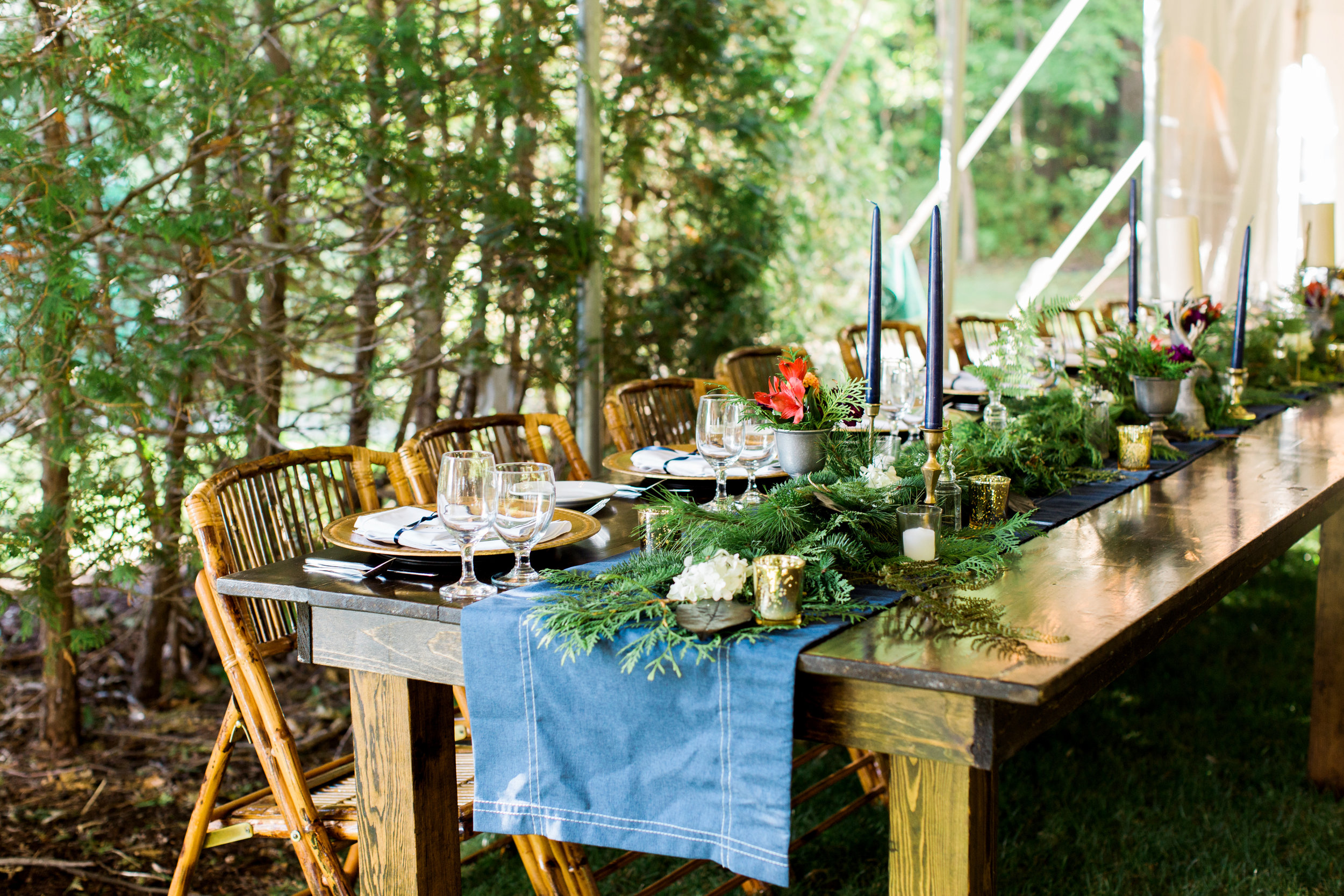 rustic_farm_table_wedding