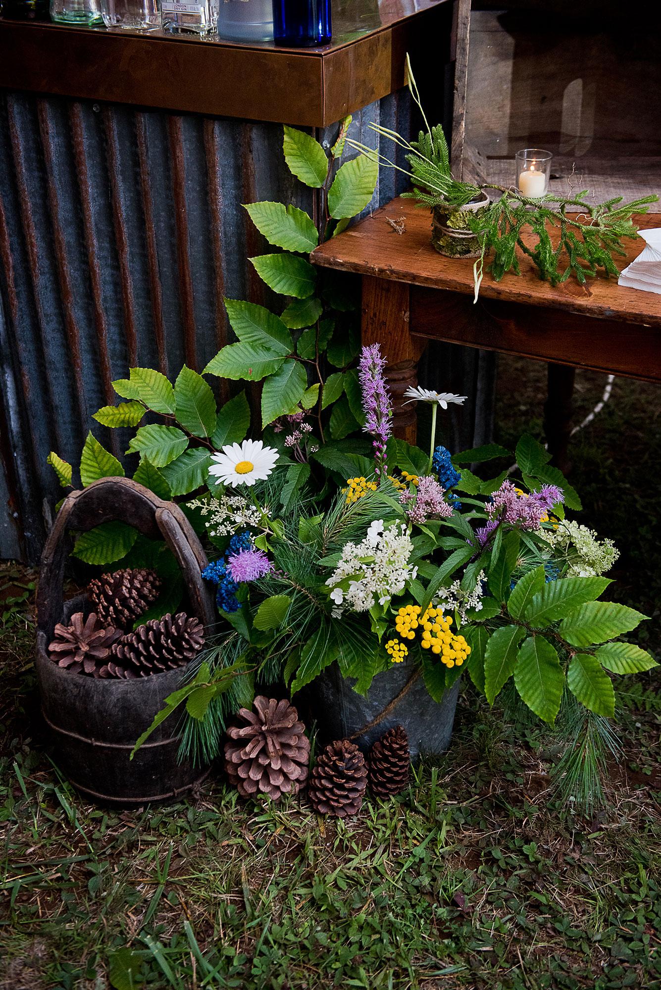pine_cone_birch_leaf_wedding_bouquet.jpg