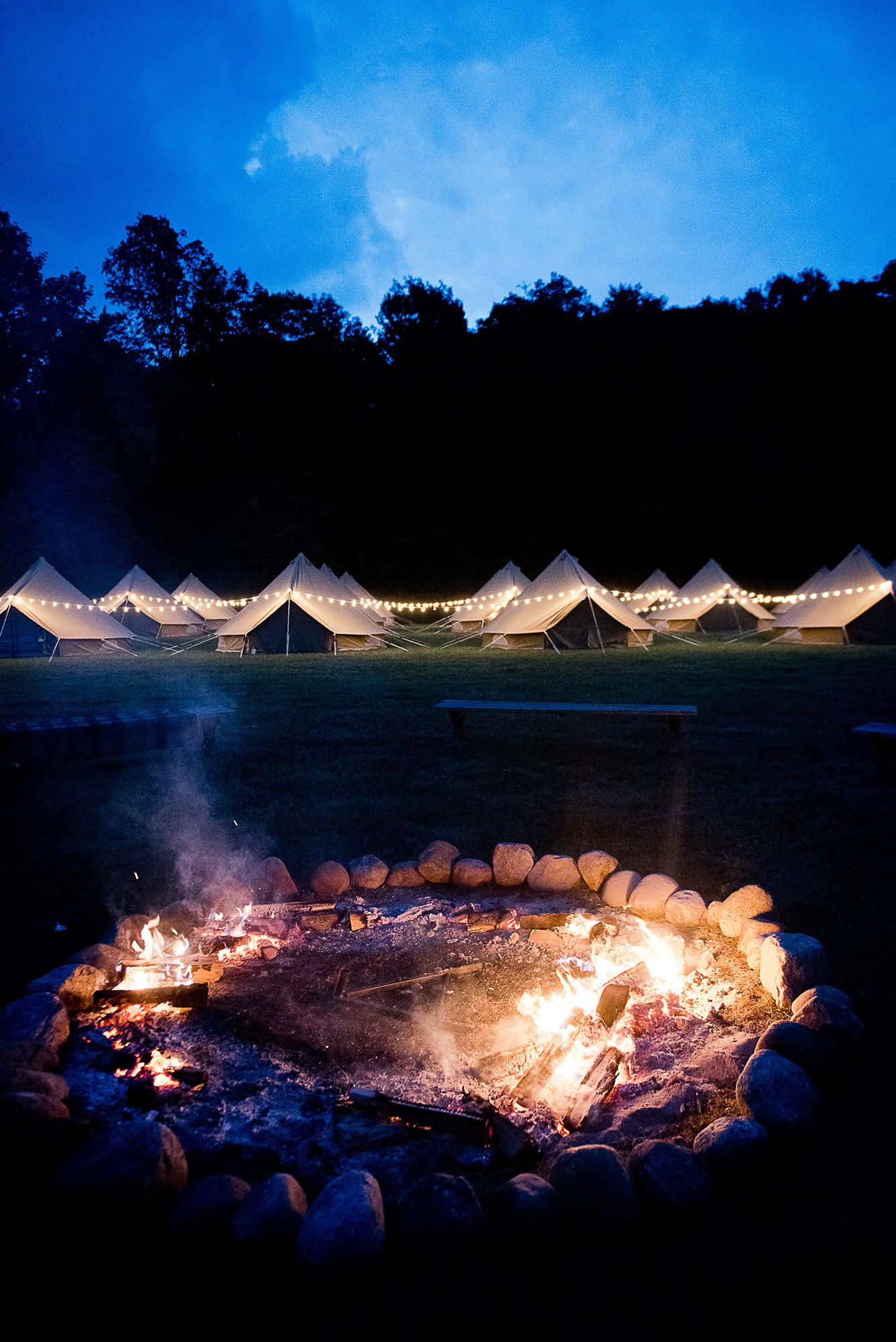 wilderness_wedding_campfire_guest_tents.jpg