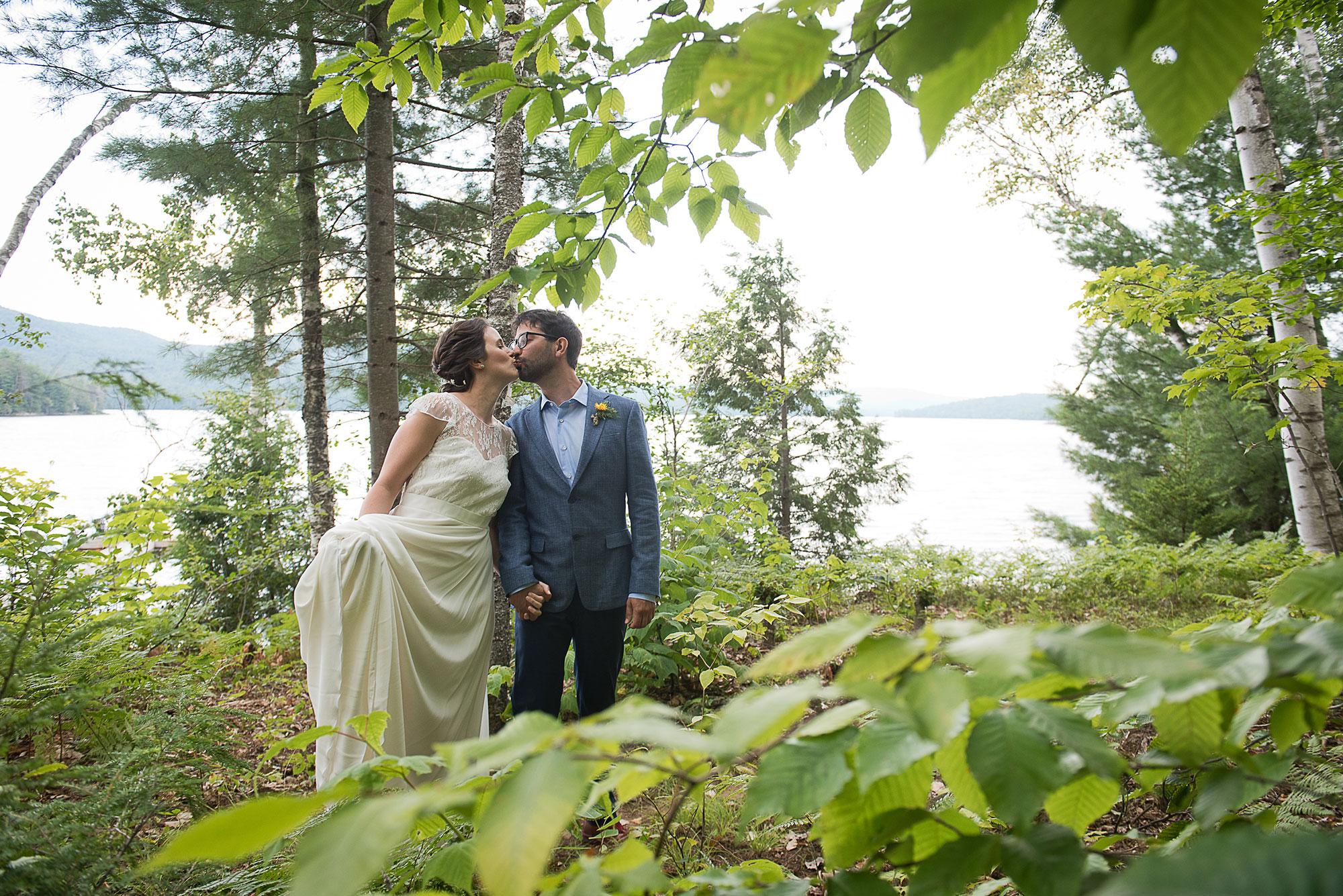 happy_wedding_couple_woodlands.jpg