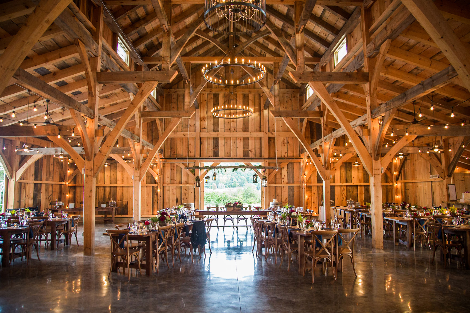 grand_barn_wedding_veneue_adirondacks_upstate_ny.jpg