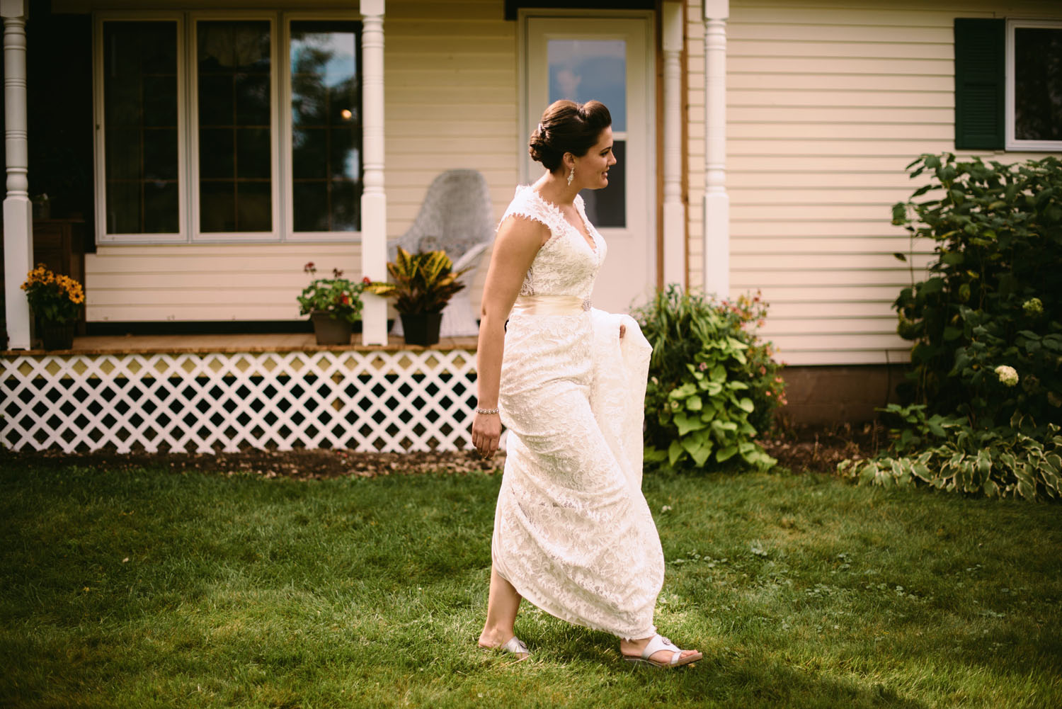 backyard-wedding-first-look-wisconsin.jpg