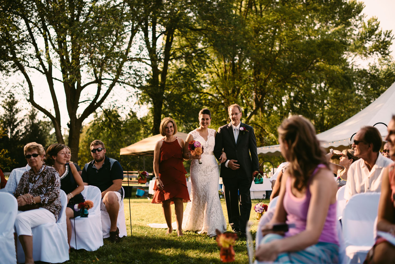 backyard-wedding-minnesota-wedding-photographer.jpg