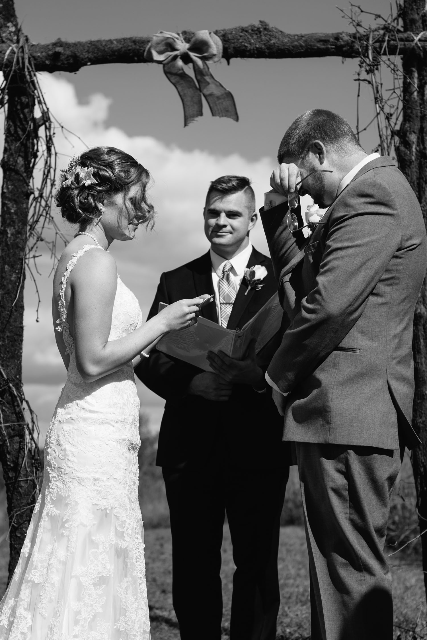 emotional-storytelling-wedding-photography-minnesota.jpg