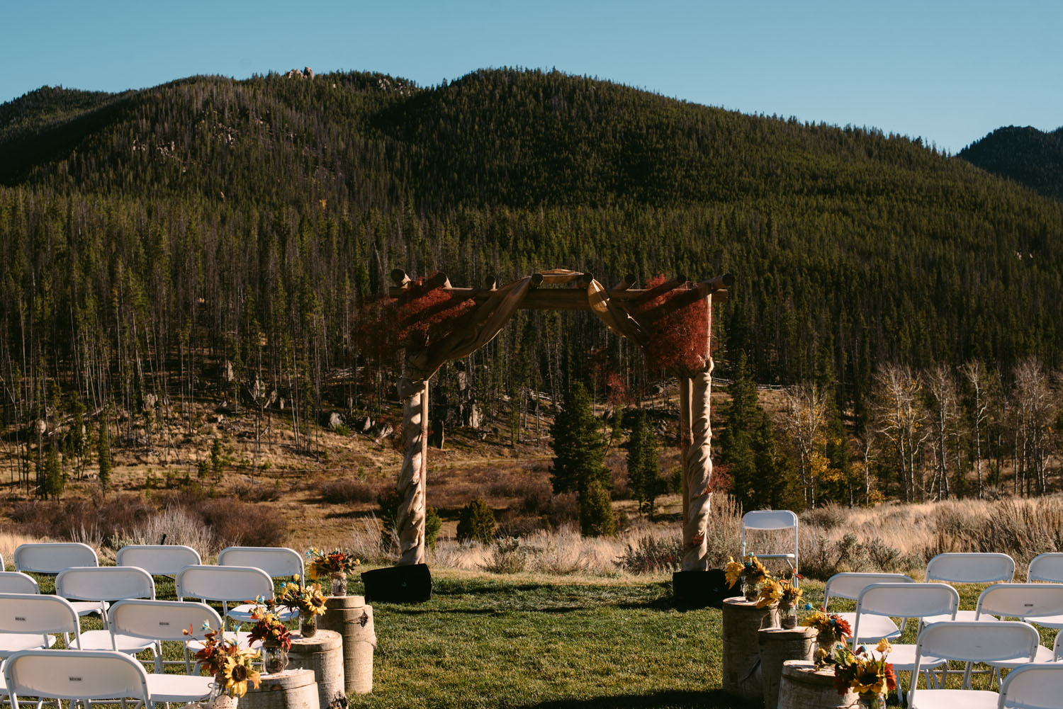 outdoor-destination-wedding-photographer-montana.jpg