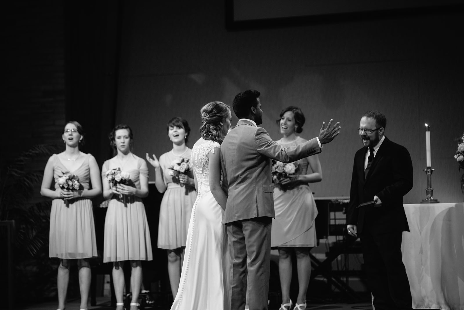 emotional-wedding-photographer-minneapolis.jpg