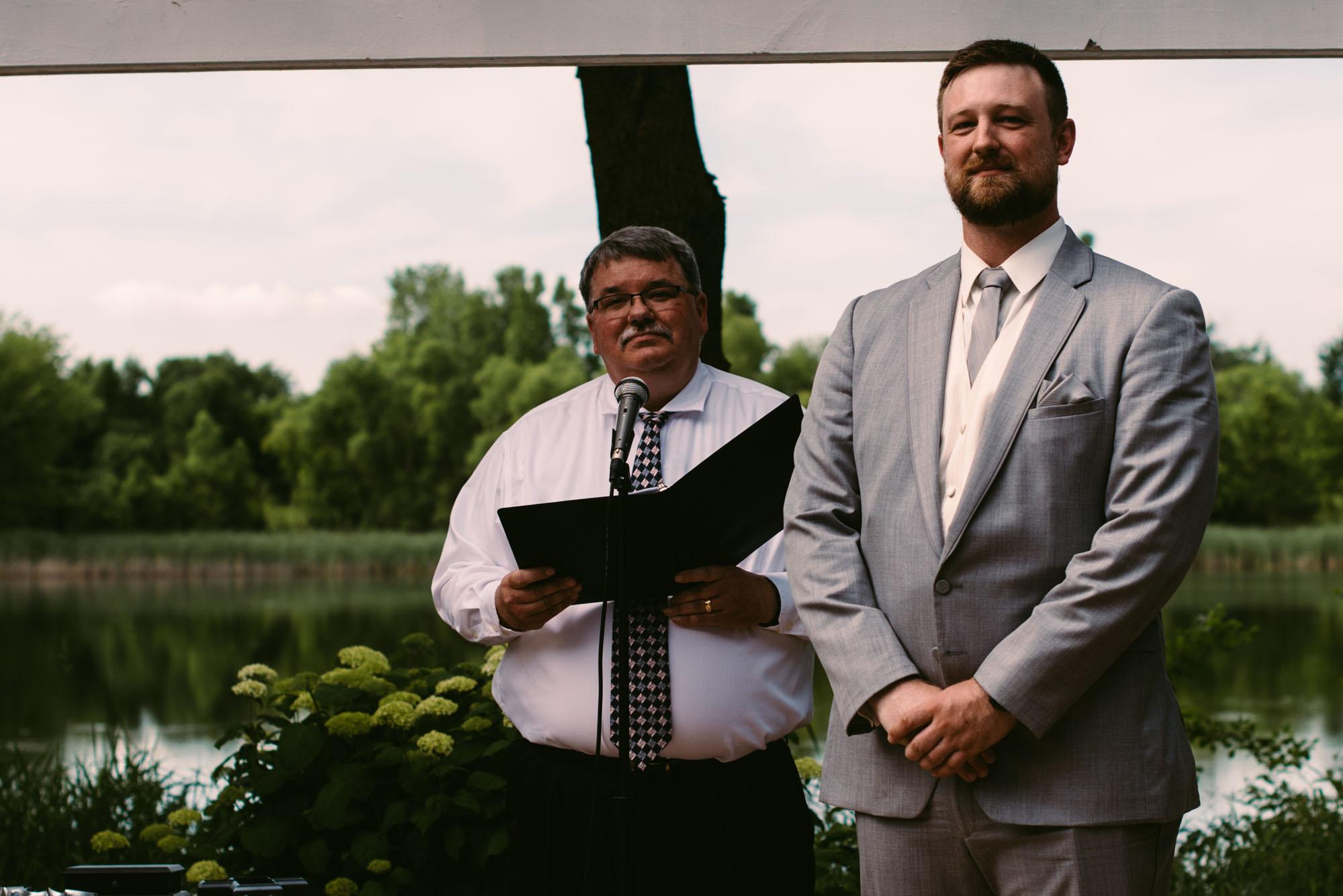 heartfelt-minneapolis-wedding-photographer.jpg