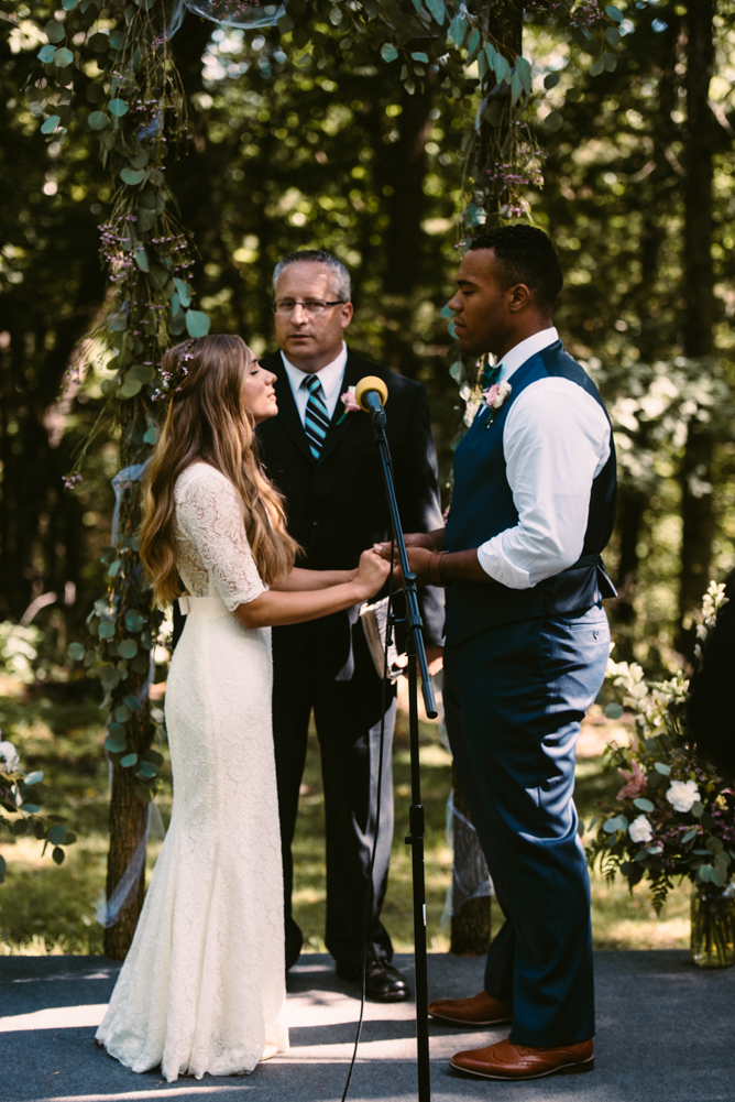 northwoods-minnesota-camp-wedding-photographer-19.jpg