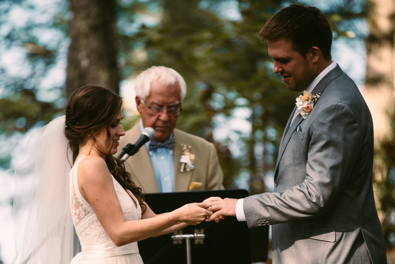outdoor-wedding-photographer-minnesota-1-5.jpg