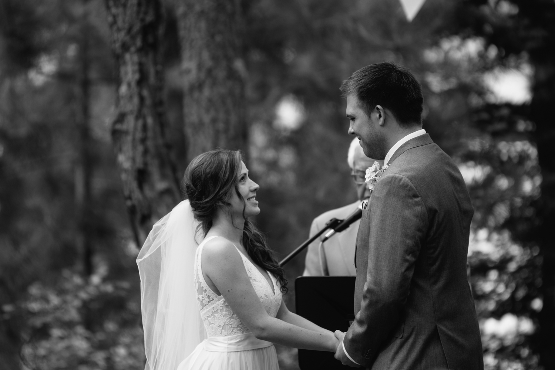 outdoor-wedding-photographer-minnesota-1-8.jpg