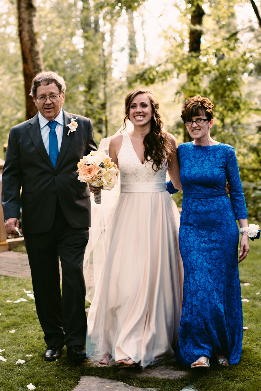 backyard-cabin-wedding-photographer-minnesota.jpg
