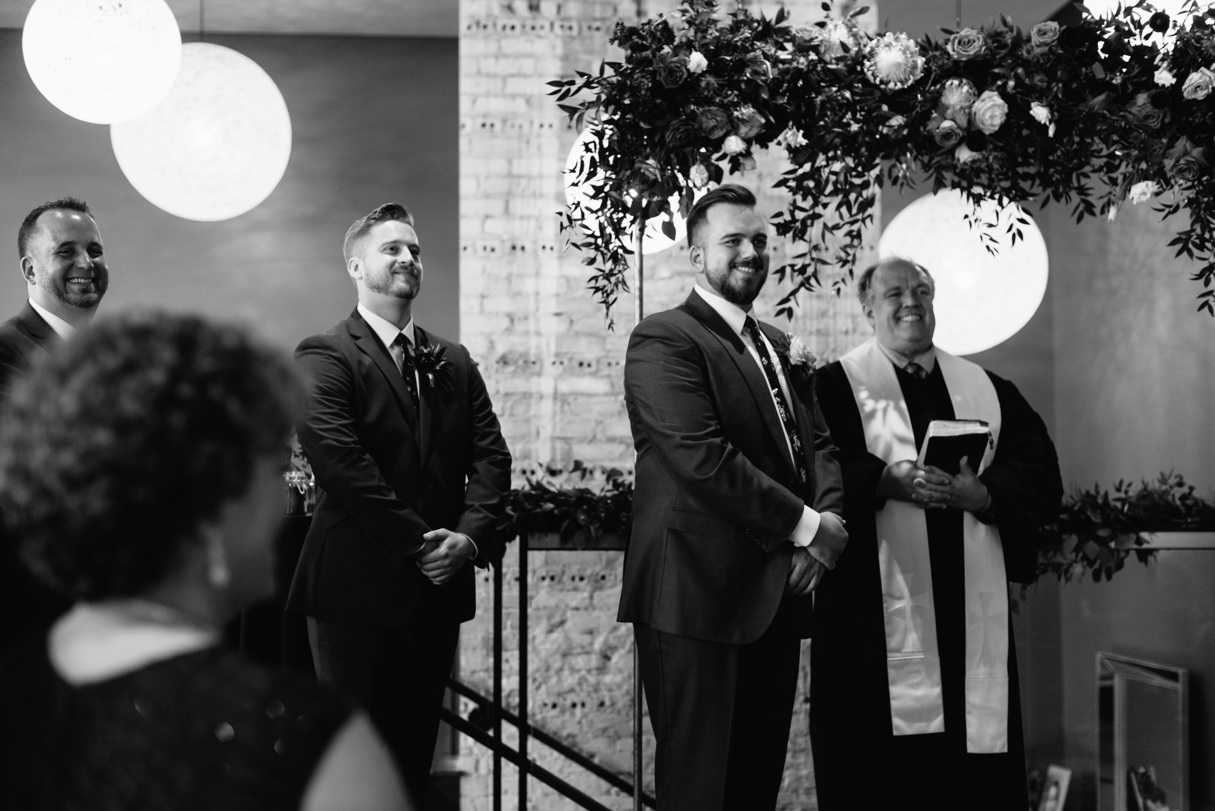 industrial-wedding-minneapolis-photographer-1-12.jpg
