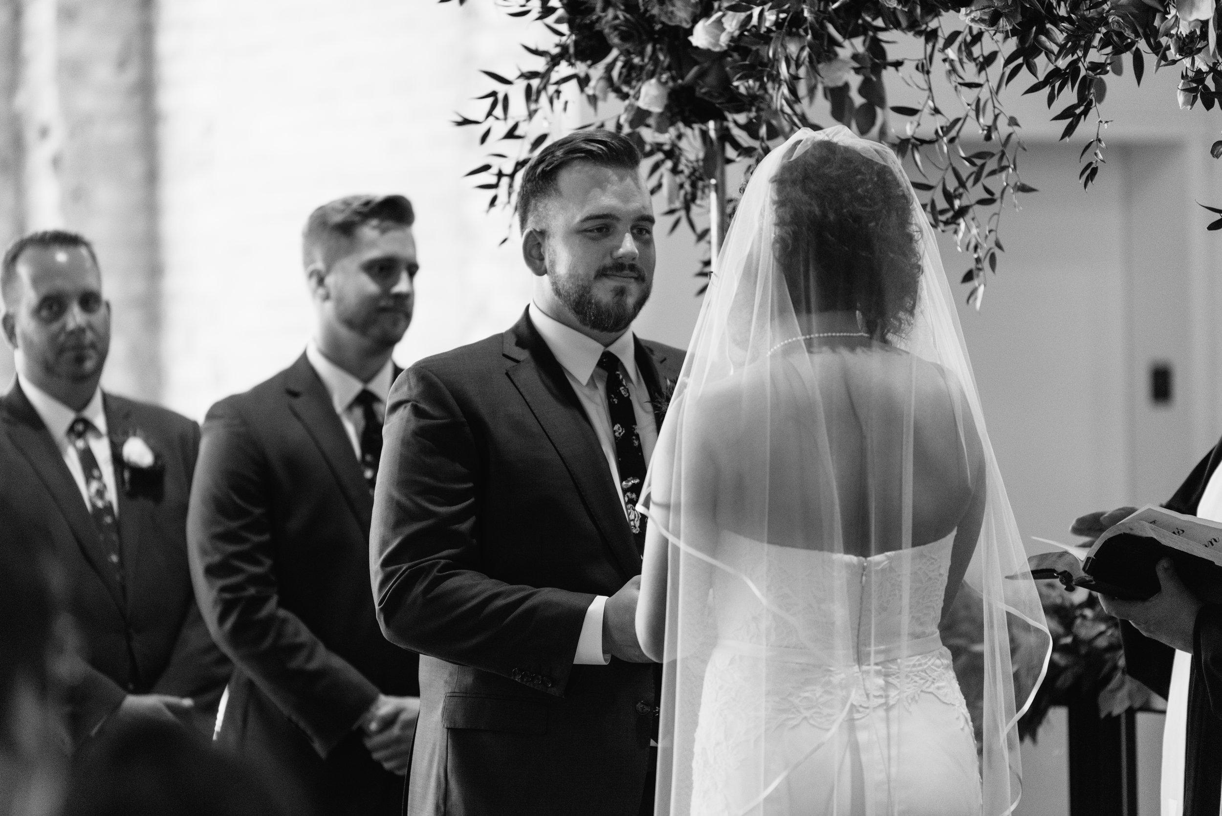 industrial-wedding-minneapolis-photographer-1-14.jpg