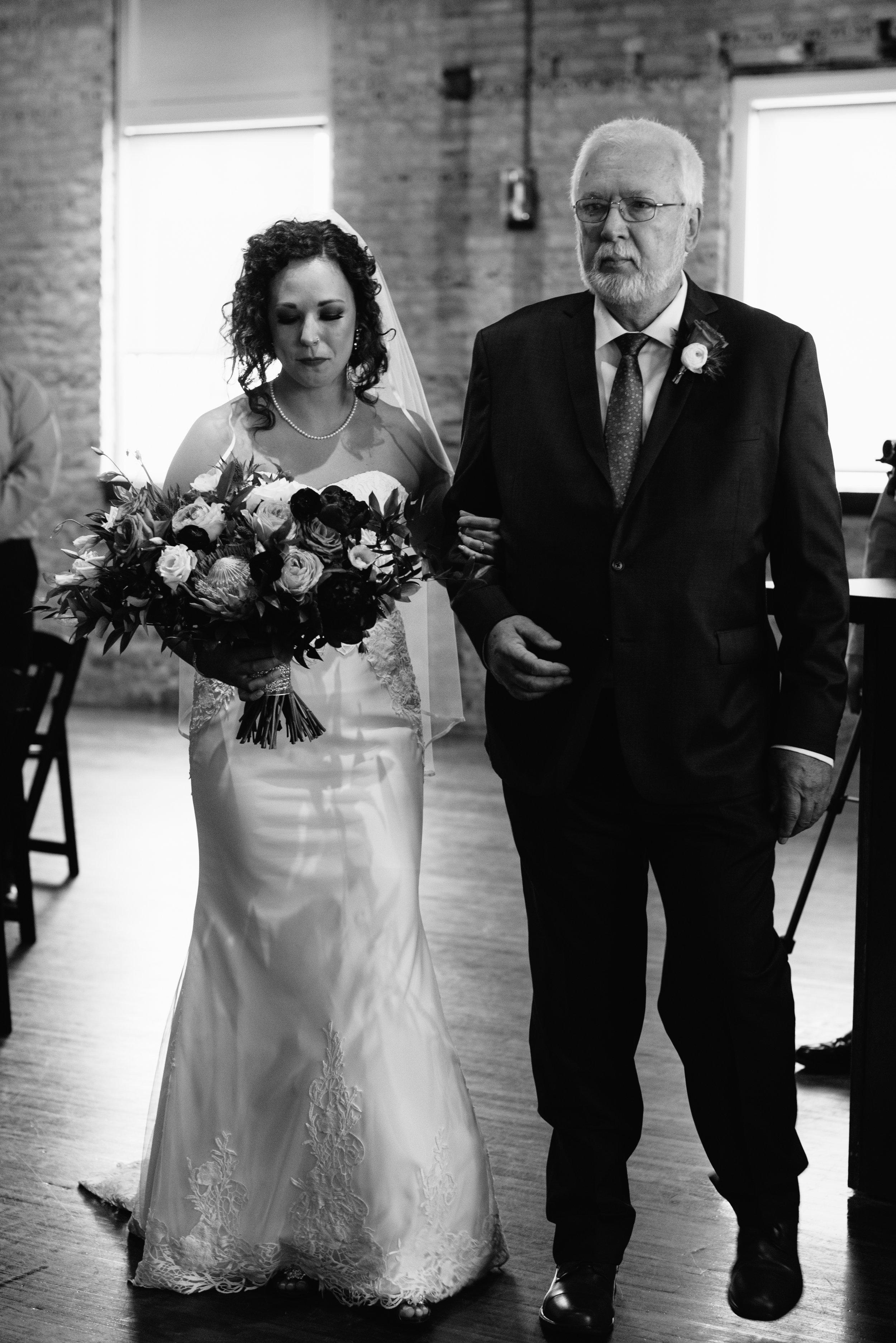 intimate-minneapolis-wedding-photographer-1-5.jpg
