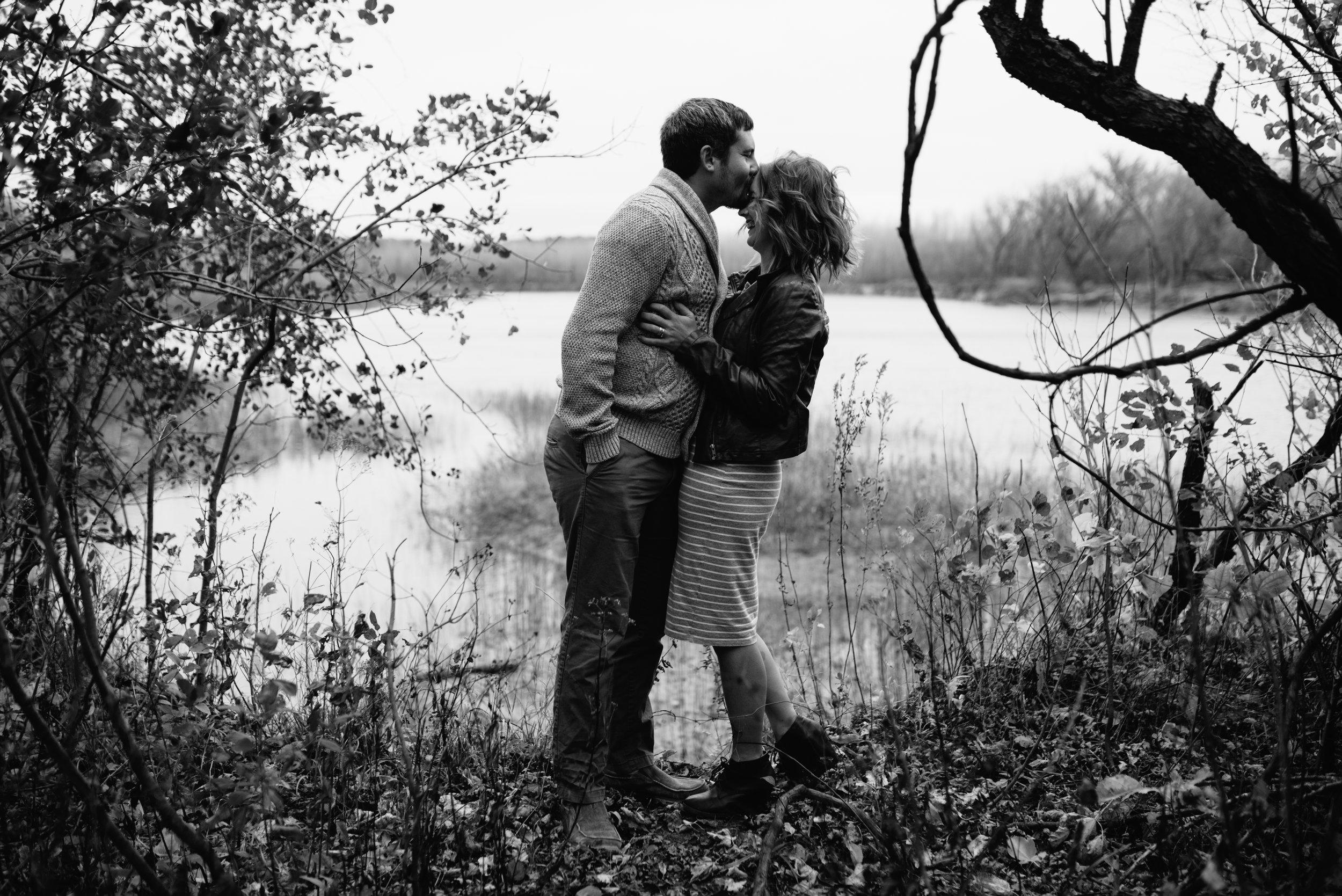 minneaplis-engagement-photographer-1-12.jpg