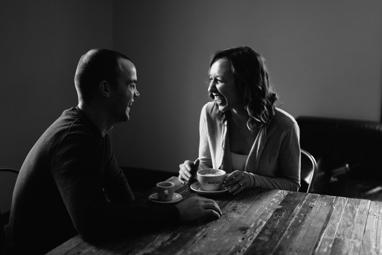 minneapolis-rustica-bakery-engagement-photographer-1-6.jpg