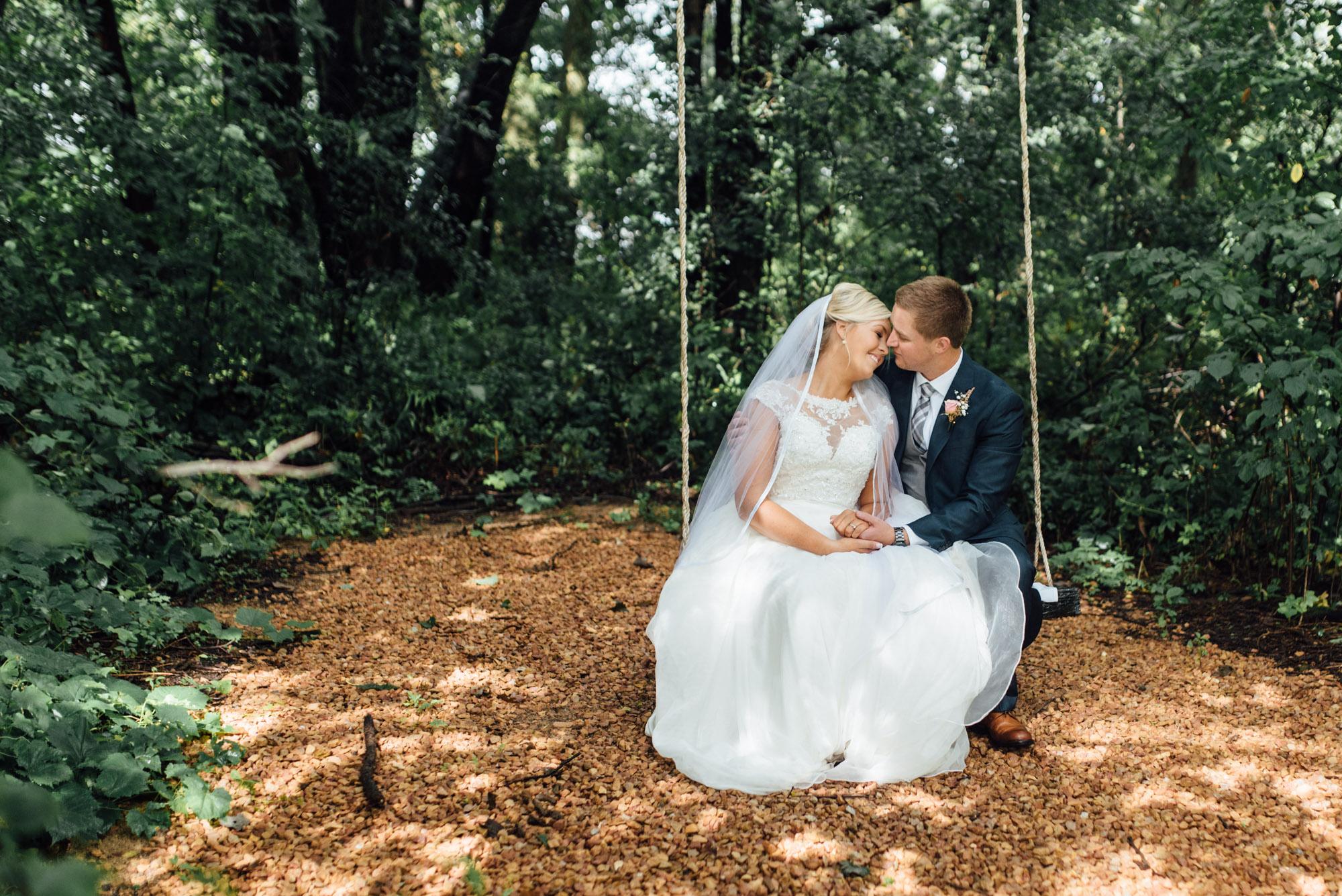 minnetonka-apple-orchard-wedding-1.jpg