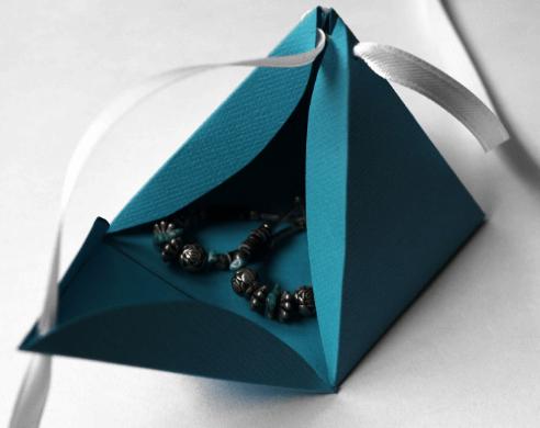 Pyramid-Gift-Boxes-1.png