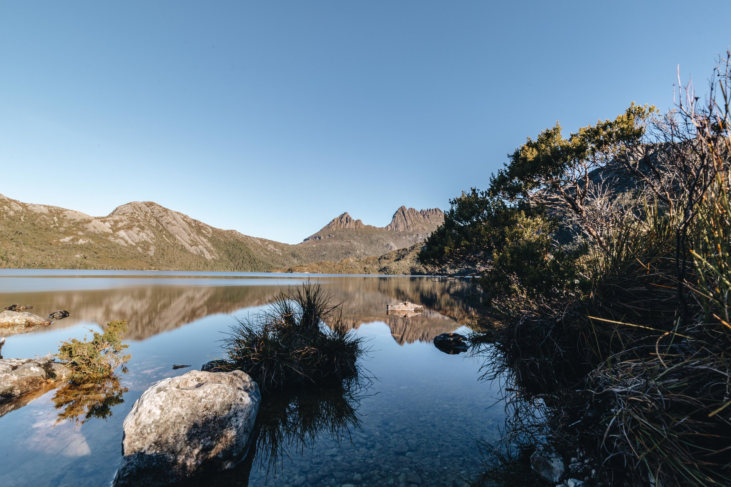 Tasmania - Cradle Mountain, Waterfalls + the Shore