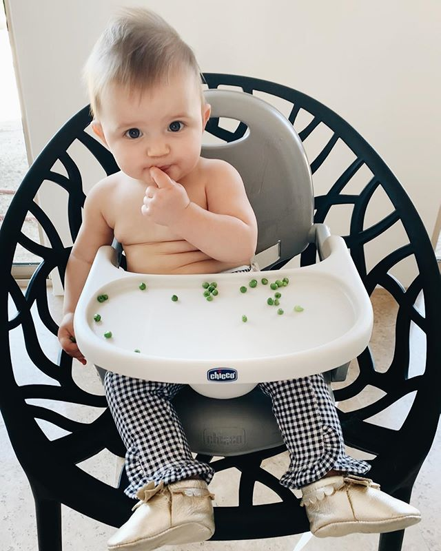 More peas, pwease! How is my little baby 10 months old already? 😩
