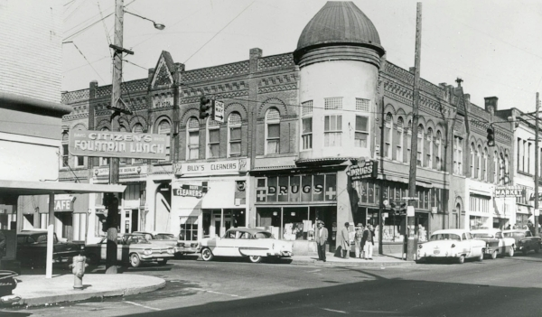 North Williams and Russell, 1962