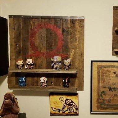 Reclaimed Wood Display Shelf  @evelonian