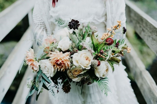 portland oregon bridal bouquet - foraged floral