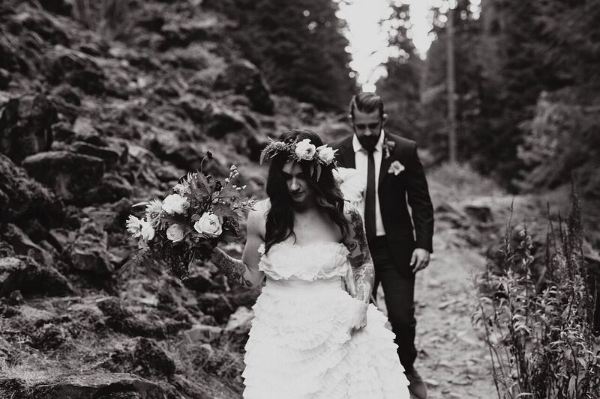 wedding florist oregon - foraged floral wedding elopement
