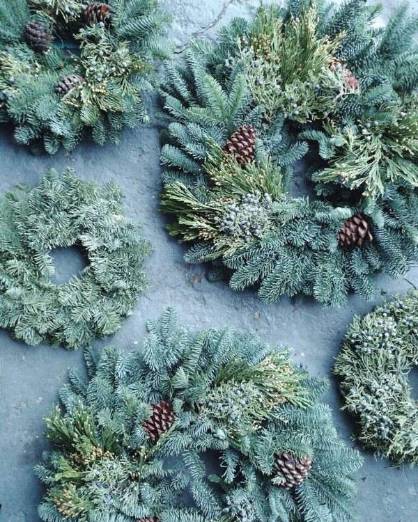 greenery and pinecone christmas wreath oregon