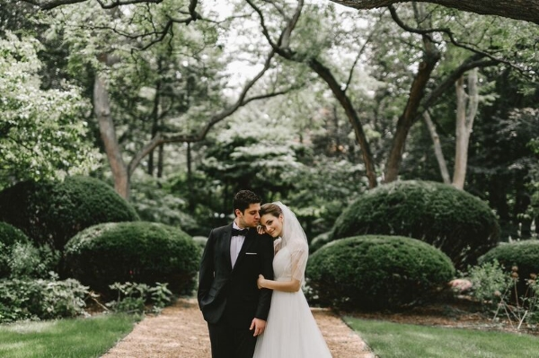 chicago wedding outdoors with foraged floral in portland OR